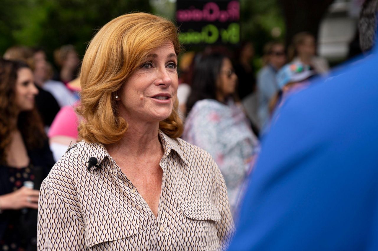 https://thetexan.news/wp-content/uploads/2019/06/Wendy-Davis-1280x853.jpg