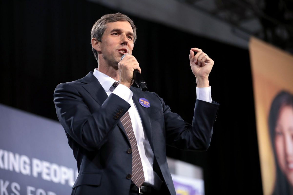 Beto Struggles, Abbott Soars in Second-Quarter Campaign Fundraising