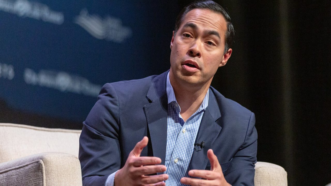 https://thetexan.news/wp-content/uploads/2019/07/Julian-Castro-1-1280x720.jpg