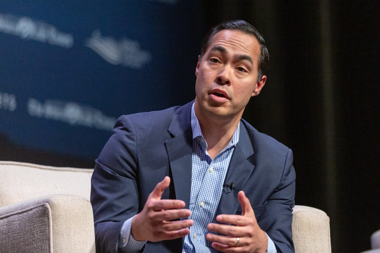 https://thetexan.news/wp-content/uploads/2019/07/Julian-Castro-1-1280x853.jpg