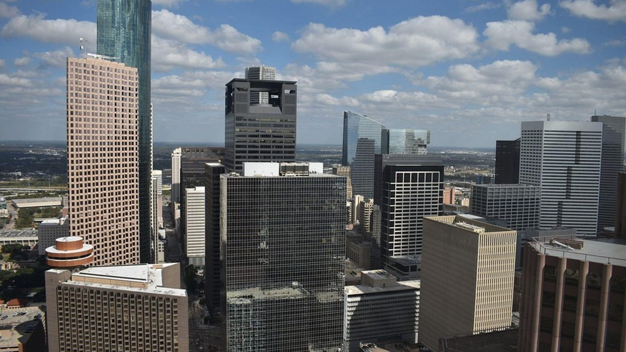https://thetexan.news/wp-content/uploads/2019/09/Houston-Skyline-1280x720.jpg