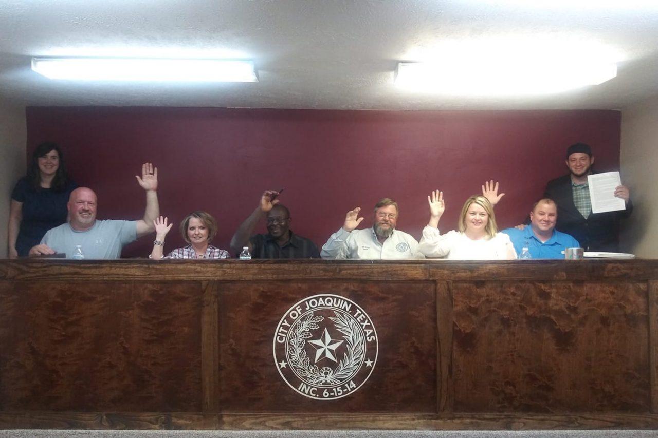 https://thetexan.news/wp-content/uploads/2019/09/Joaquin-City-Council-1280x853.jpg