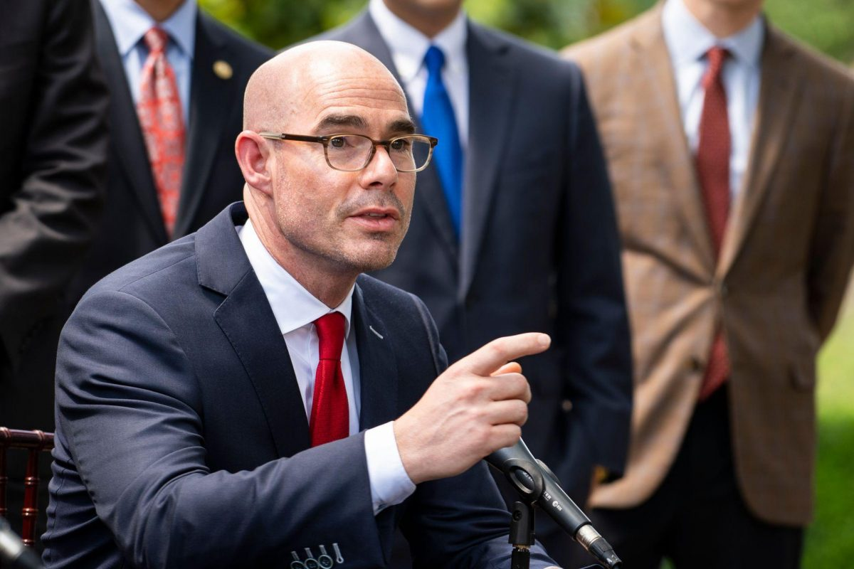 The Back Mic: Bonnen's Lists — Where All 82 Republicans Landed