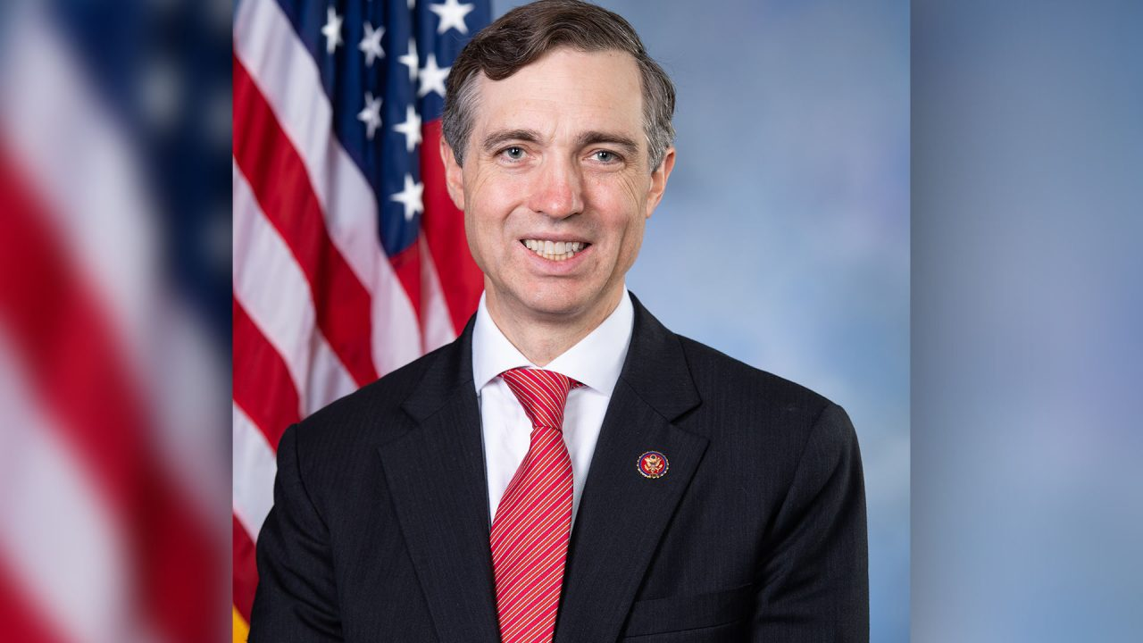 https://thetexan.news/wp-content/uploads/2019/12/3-2_Van_Taylor_official_portrait_116th_Congress-1280x720.jpg