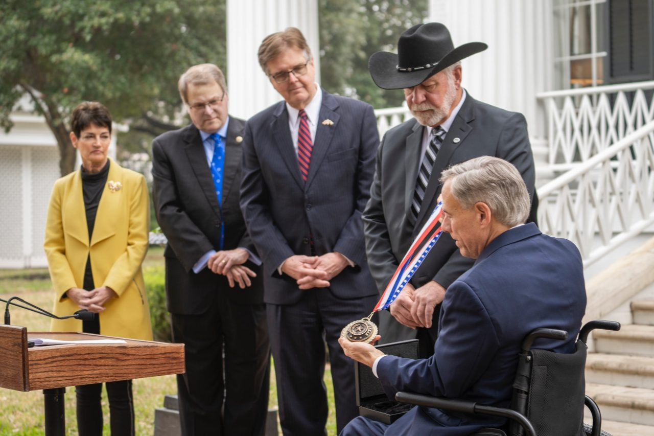 https://thetexan.news/wp-content/uploads/2020/01/Wilson-Medal-of-Courage-1-1280x853.jpg