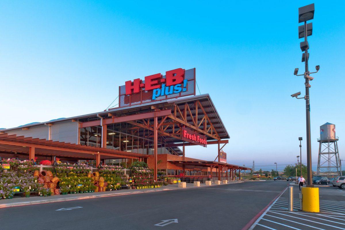 H-E-B Adjusts to the Chaos, Keeps Texans Supplied Amid Coronavirus Pandemic