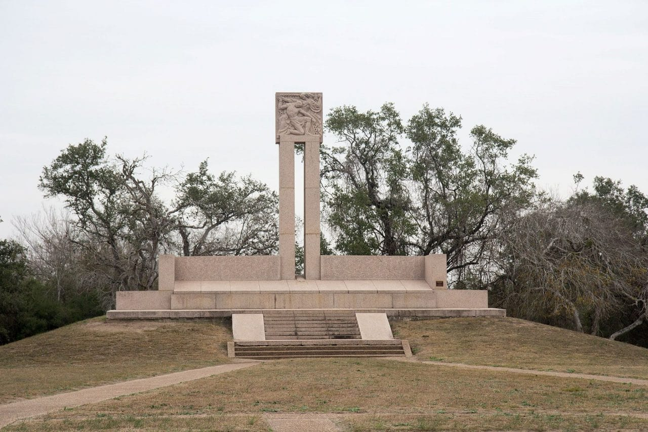 https://thetexan.news/wp-content/uploads/2020/03/Monument_at_Goliad_Massacre-1280x853.jpg
