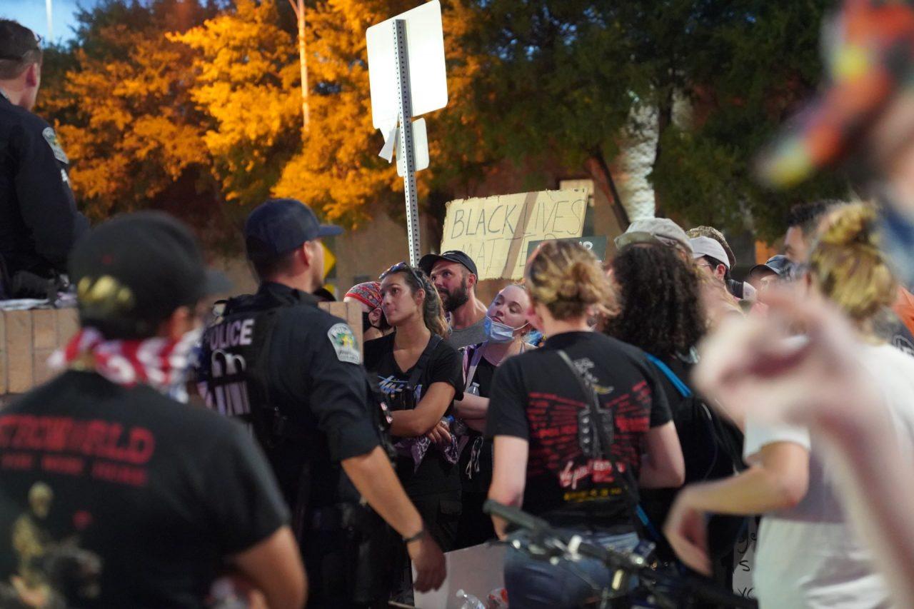 https://thetexan.news/wp-content/uploads/2020/06/APD-Protest-Crowd-Night-Header-1280x853.jpg