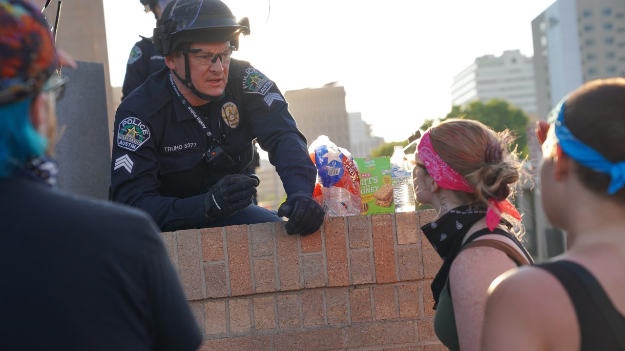 https://thetexan.news/wp-content/uploads/2020/06/APD-Protest-Officer2-1280x720.jpg