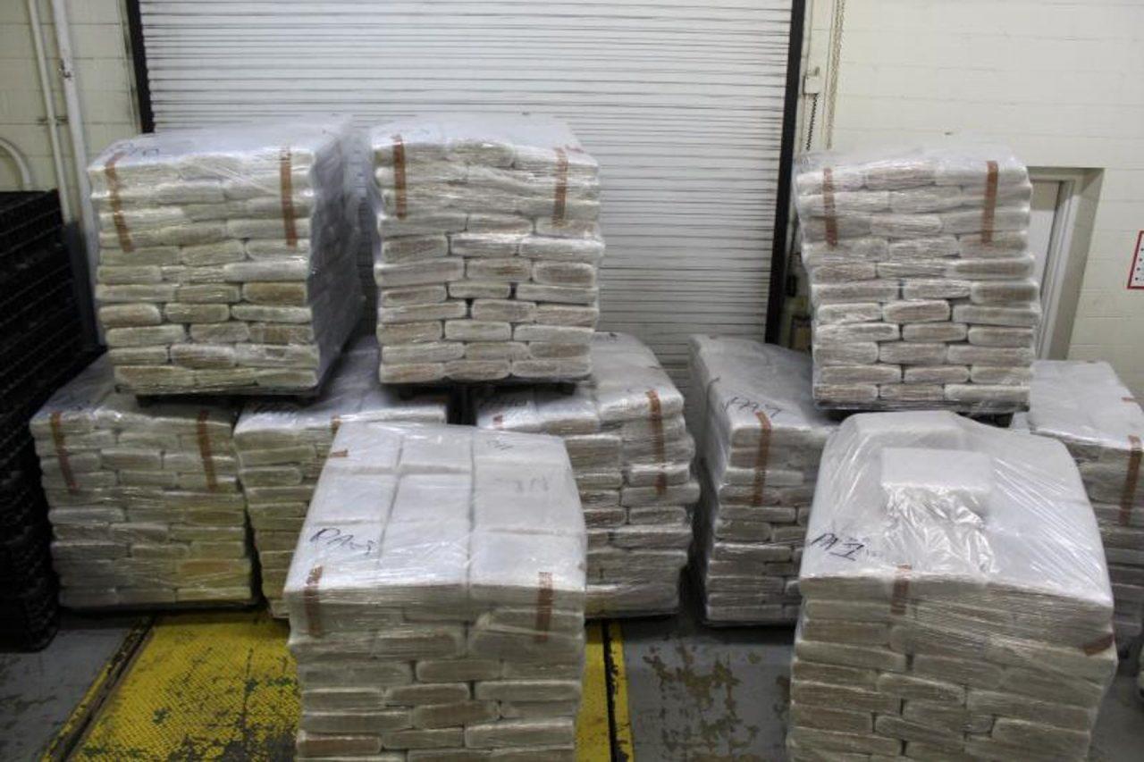 https://thetexan.news/wp-content/uploads/2020/06/CPB-Border-Laredo-Illegal-Marijuana-1280x853.jpg