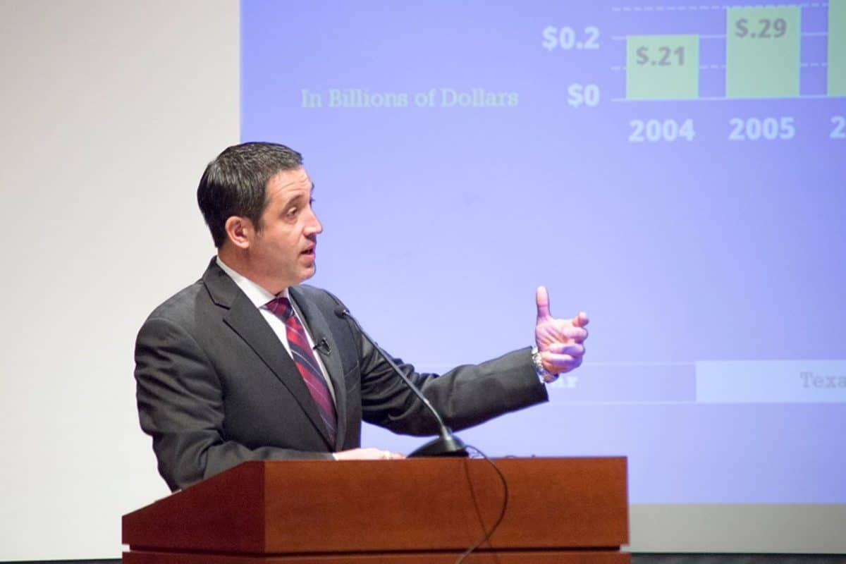 Texas' Fiscal Outlook Improves in Latest Comptroller Revenue Estimate