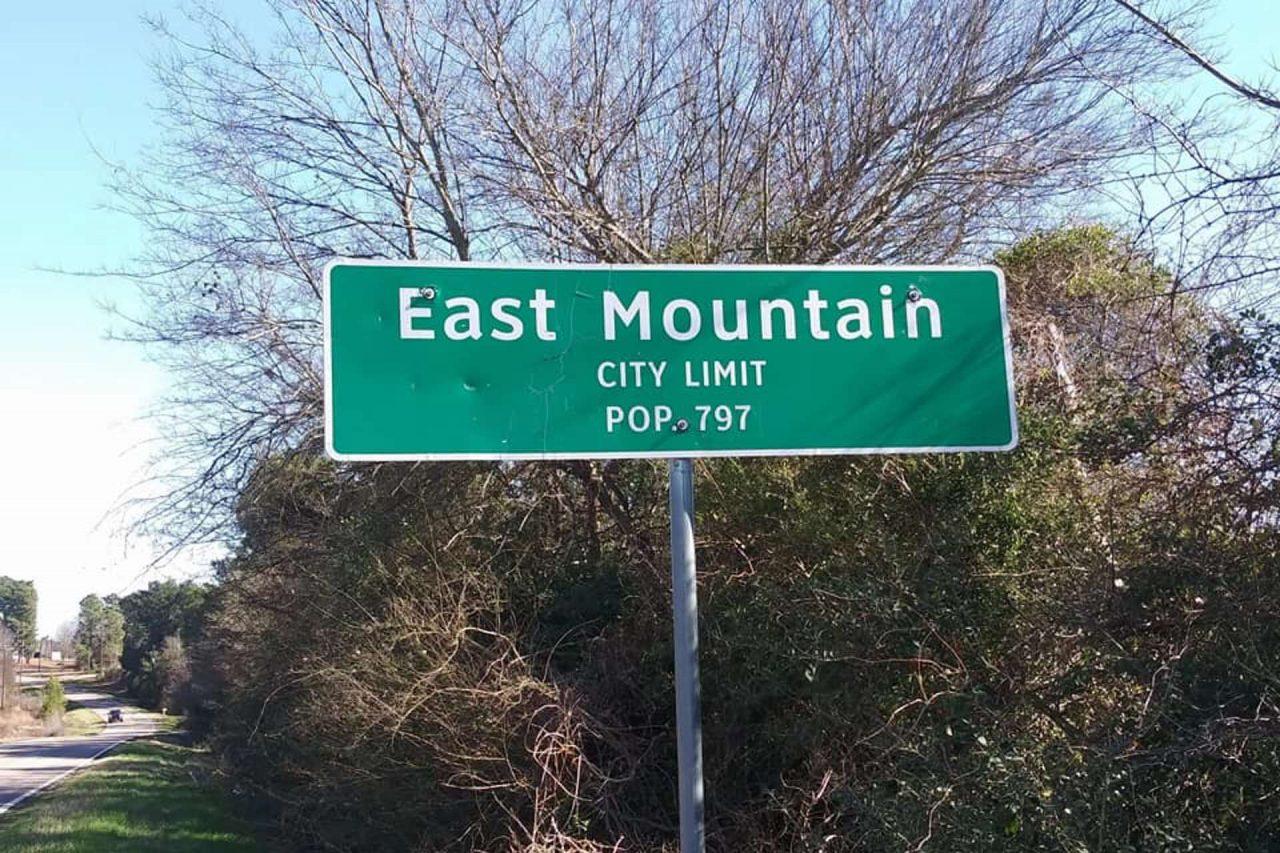 https://thetexan.news/wp-content/uploads/2020/07/East-Mountain-City-Limit-sign-1280x853.jpg