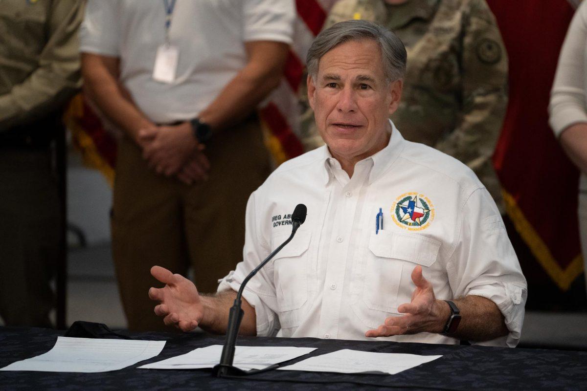 Abbott Asks Legislature to 'Winterize' Generators for Texas Power System