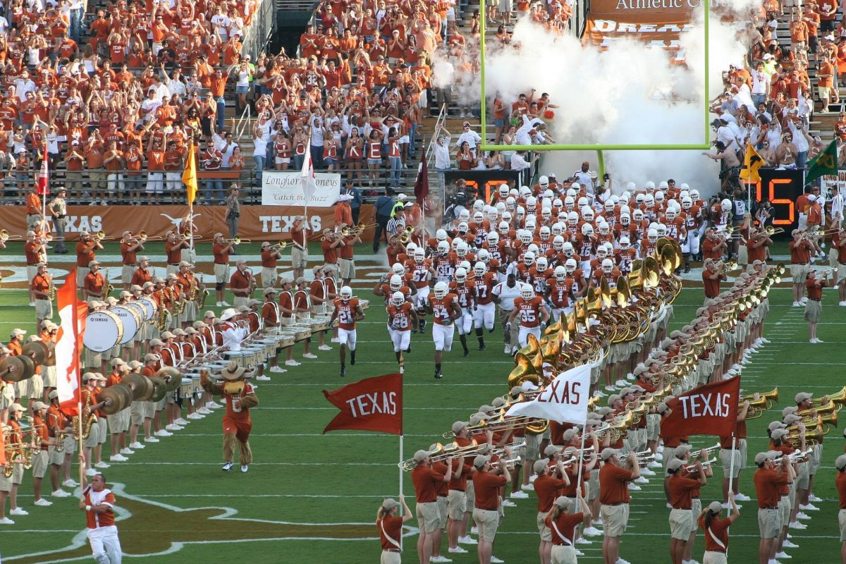 Texas Lawmaker Looks to Let College Athletes Earn From Endorsements