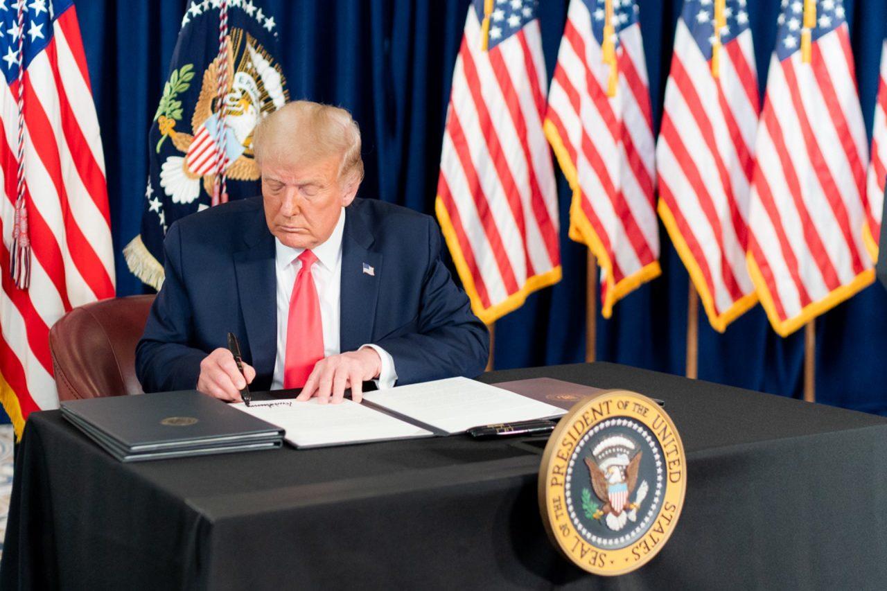 https://thetexan.news/wp-content/uploads/2020/08/Trump-Coronavirus-Memorandums-1280x853.jpg