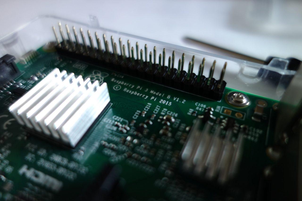 https://thetexan.news/wp-content/uploads/2020/09/Computer-system-and-microchip-1280x853.jpg