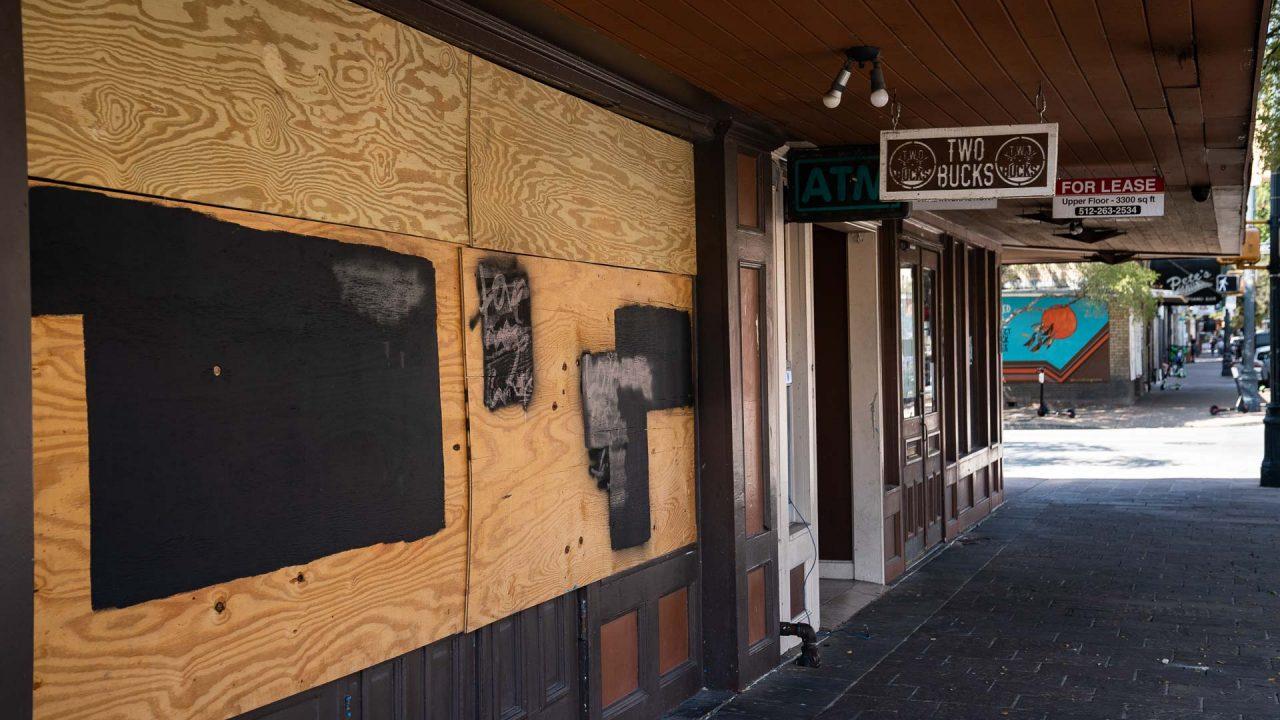 https://thetexan.news/wp-content/uploads/2020/10/Austin-6th-Street-Bar-Closed-1280x720.jpg