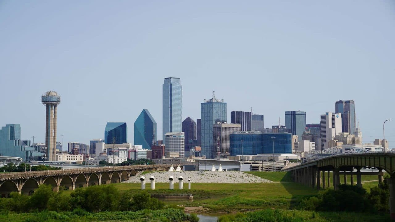 https://thetexan.news/wp-content/uploads/2020/11/Dallas-Skyline-Abbott-1280x720.jpg