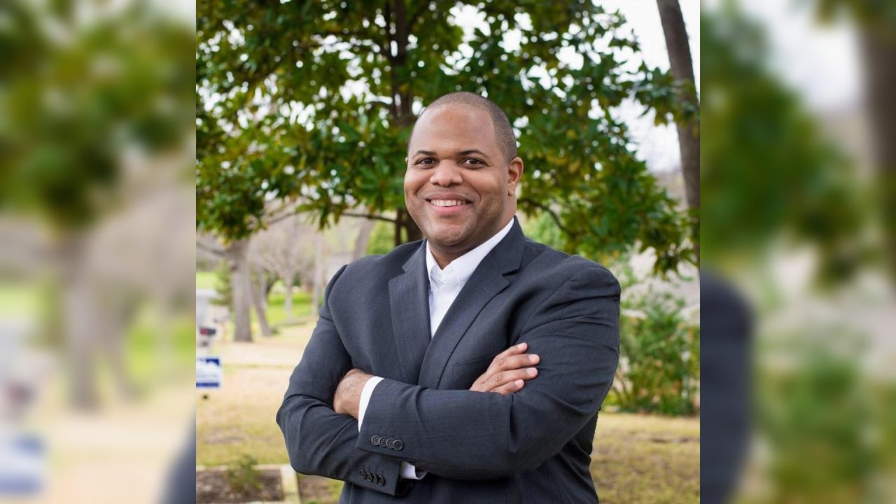 https://thetexan.news/wp-content/uploads/2020/12/dallas-mayor-eric-johnson-1280x720.jpg