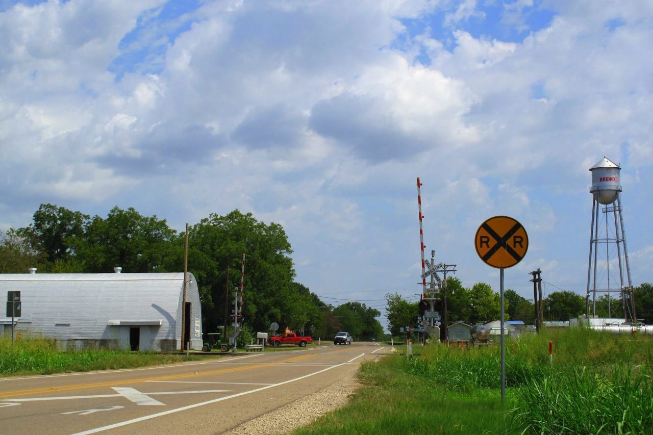 https://thetexan.news/wp-content/uploads/2020/12/rural-texas-central-railroad-eminent-domain-1280x853.jpg