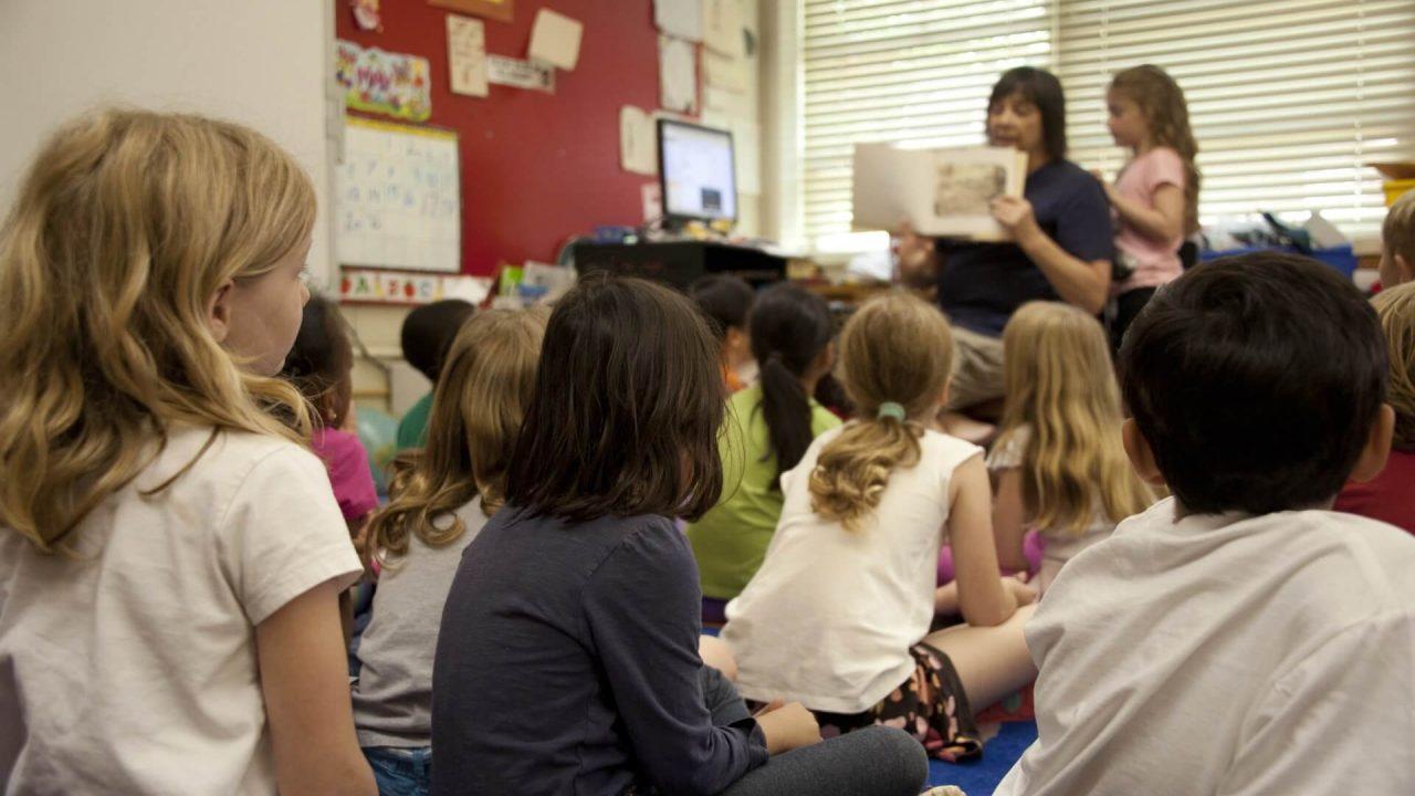 https://thetexan.news/wp-content/uploads/2020/12/teacher-classroom-elementary-public-school-1280x720.jpg