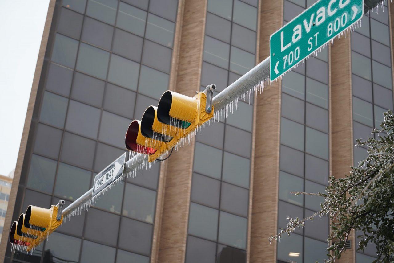 https://thetexan.news/wp-content/uploads/2021/02/Frozen-Stoplight-Lavaca-Street-Austin-DF-1280x853.jpg