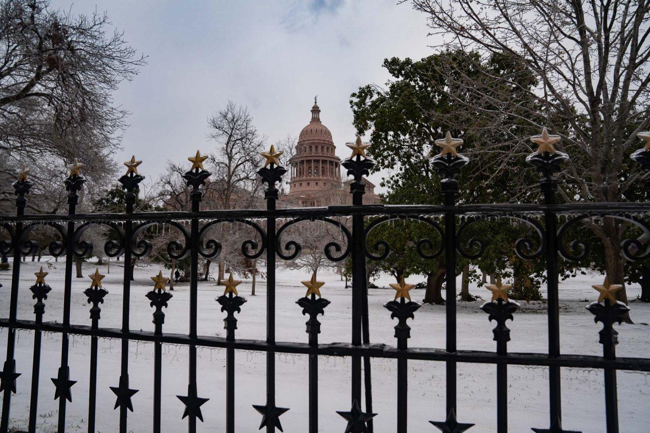https://thetexan.news/wp-content/uploads/2021/02/Texas-Capitol-During-Freeze-8-DF-1280x853.jpg