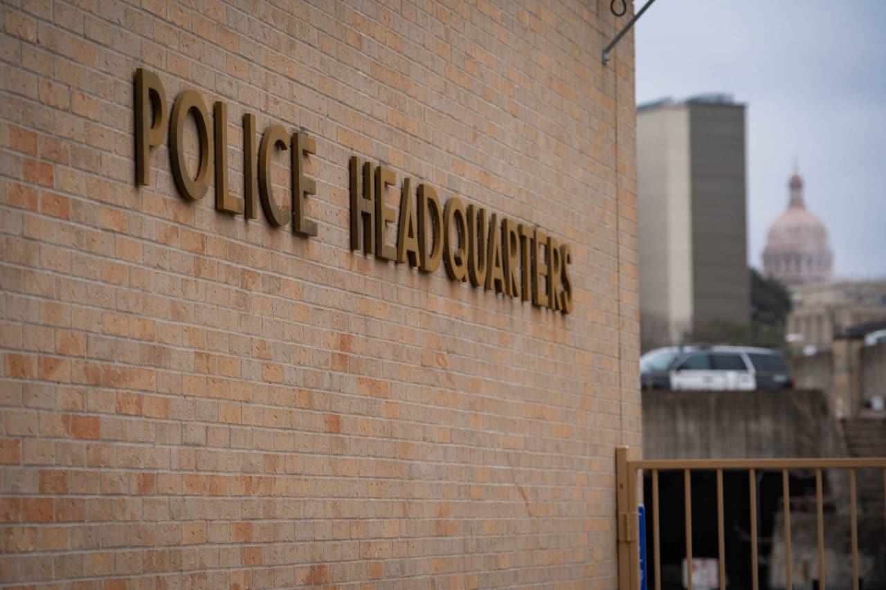 https://thetexan.news/wp-content/uploads/2021/03/Austin-Police-Department-DF-2-1280x853.jpg