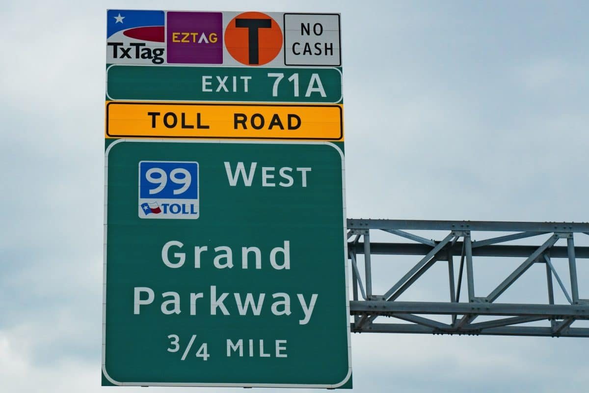 Texas Lawmakers Propose Bills to Pay Off Toll Roads, Cap Fees on Late Charges