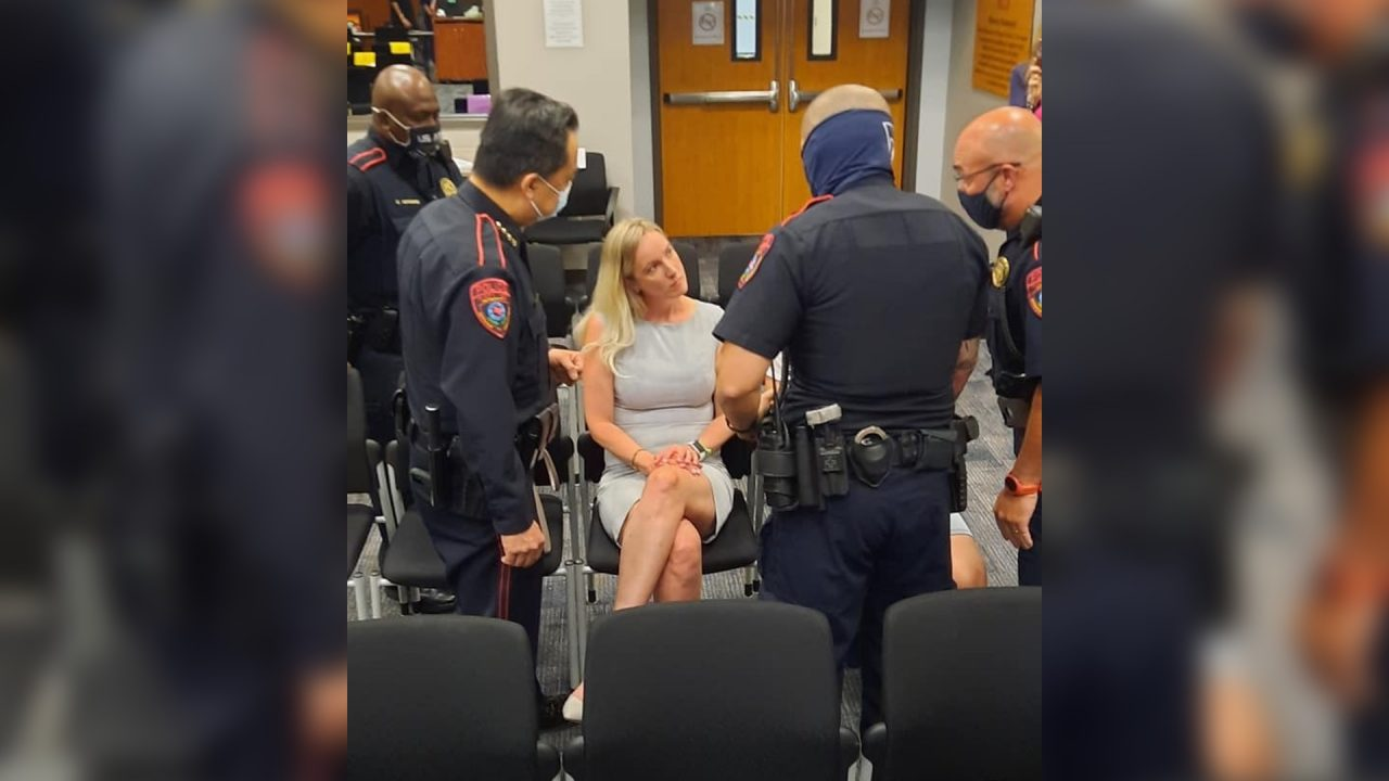 https://thetexan.news/wp-content/uploads/2021/04/Katy-ISD-School-Bonnie-Anderson-Removed-from-School-Board-Meeting-Mask-Mandate-1280x720.jpg