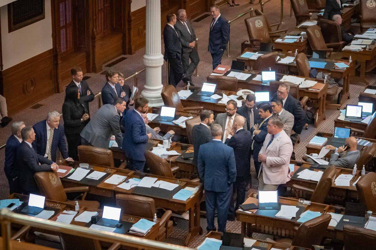https://thetexan.news/wp-content/uploads/2021/05/House-Floor-During-End-of-Session-Deadline-BJ-1280x853.jpg