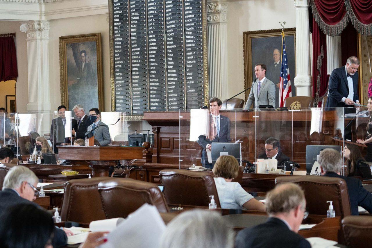 https://thetexan.news/wp-content/uploads/2021/05/Lawmakers-on-House-Floor-2-DF-1280x853.jpg