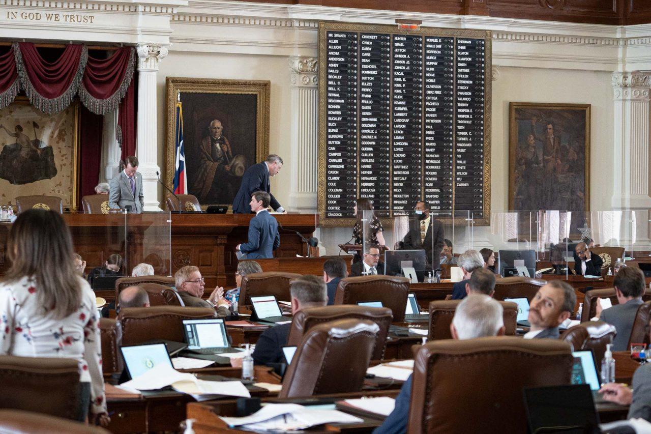 https://thetexan.news/wp-content/uploads/2021/05/Lawmakers-on-House-floor-DF-1280x853.jpg