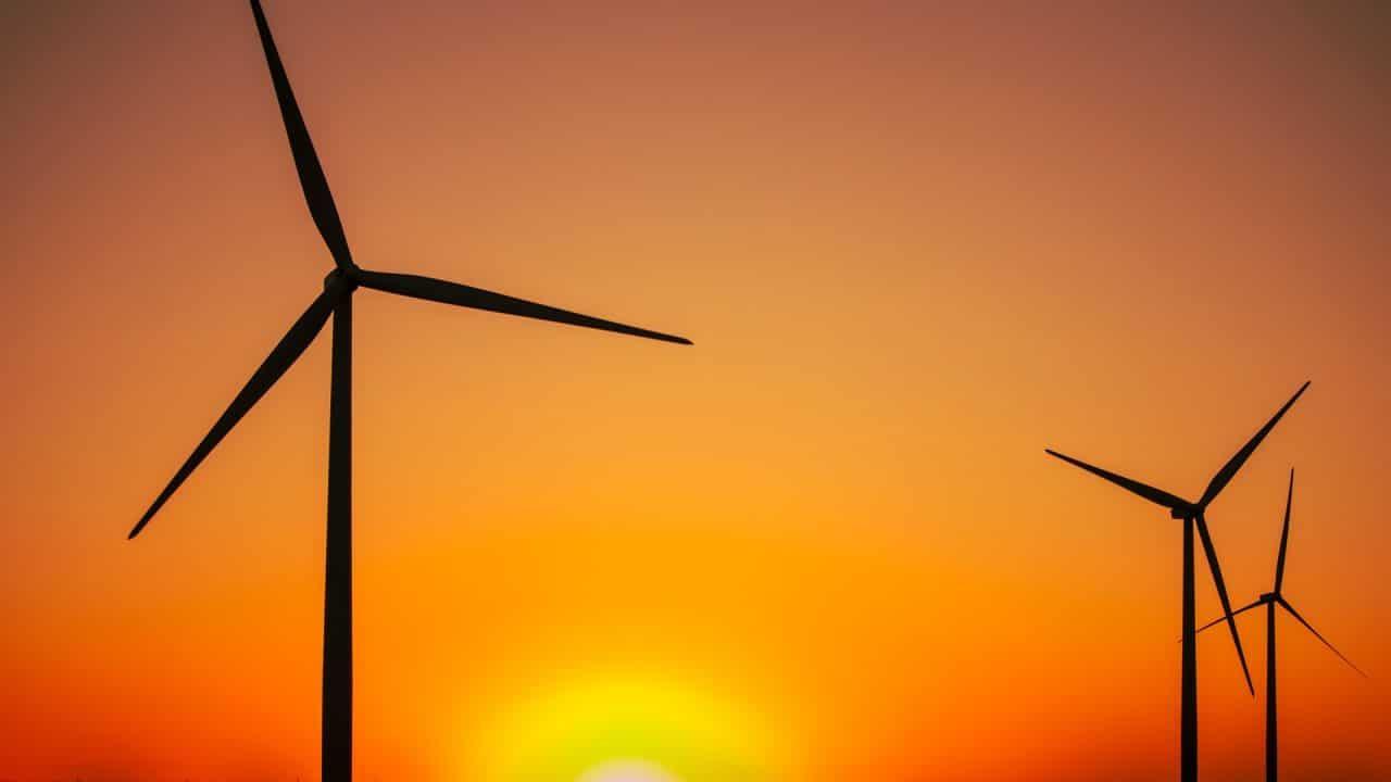 https://thetexan.news/wp-content/uploads/2021/06/Wind-Turbines-1280x720.jpg