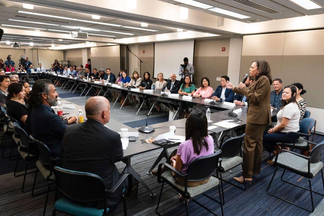https://thetexan.news/wp-content/uploads/2021/07/Kamala-Harris-Meets-with-Texas-Democrats-Quorum-Bust-Washington-DC-AP-1280x853.jpg