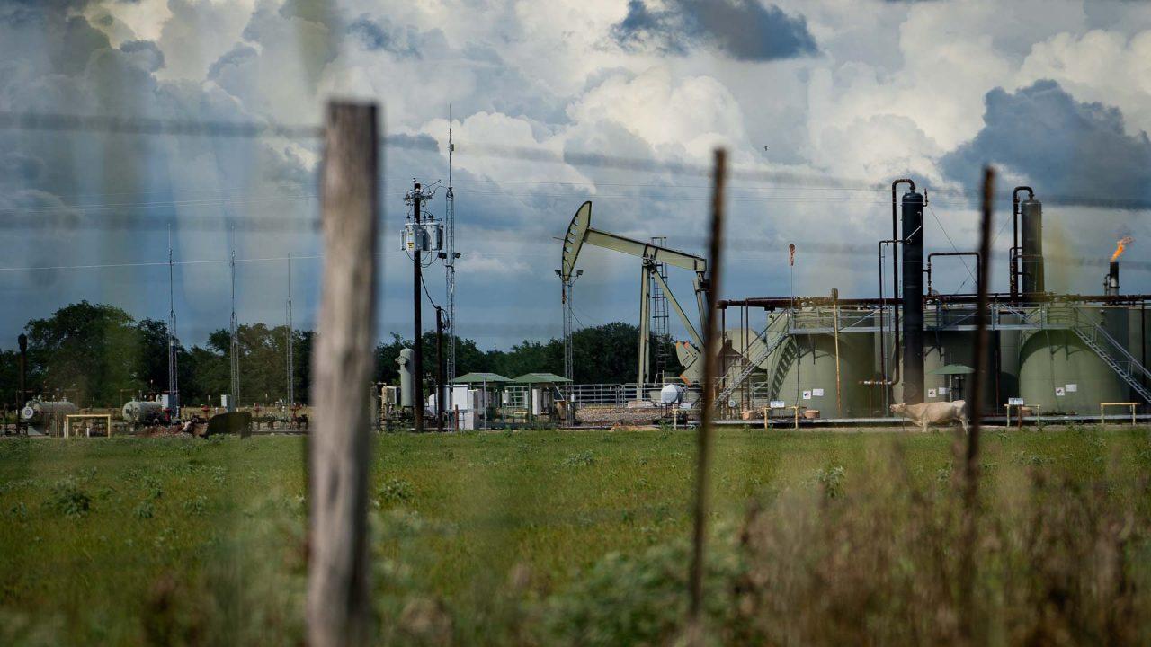https://thetexan.news/wp-content/uploads/2021/07/South-Texas-Oil-Derrick-DF-1-1280x720.jpg