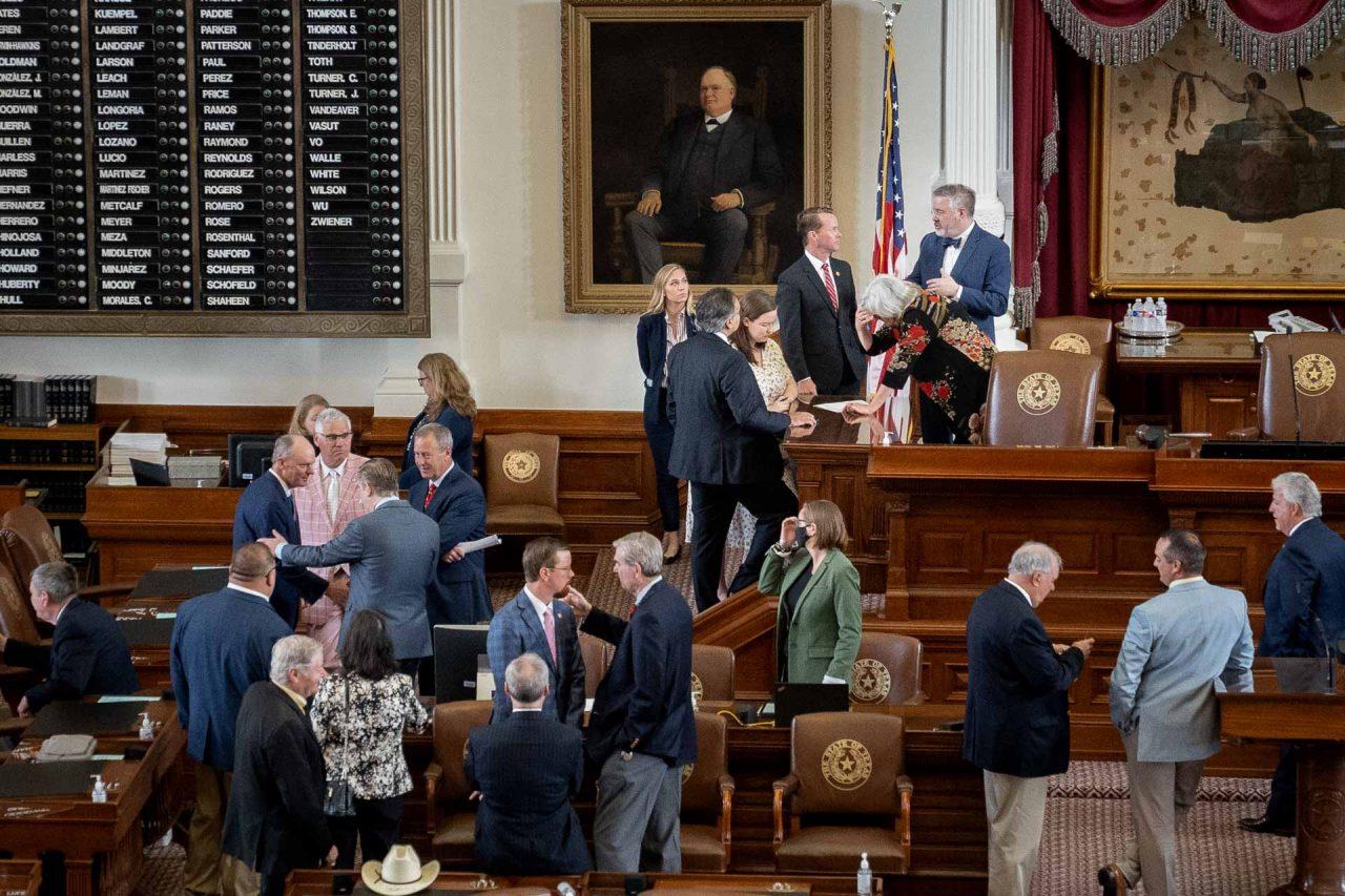 https://thetexan.news/wp-content/uploads/2021/07/Texas-House-Floor-DF-1280x853.jpg