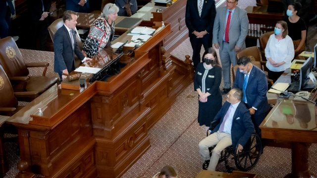 Texas House Achieves a Quorum After Several Democrats Return to Capitol, Adjourns Until Monday