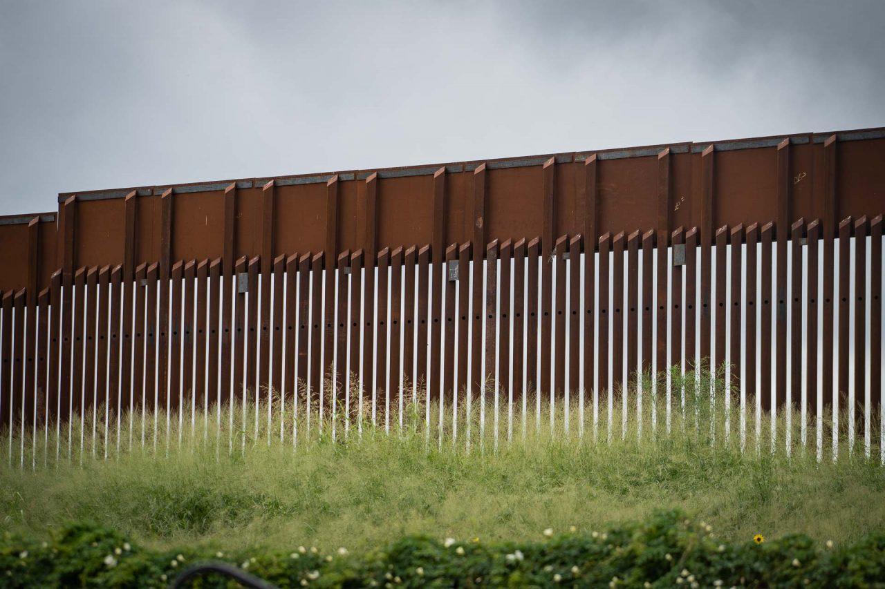 https://thetexan.news/wp-content/uploads/2021/08/U.S.-Mexico-Border-Wall-in-Texas-DF-1280x853.jpg