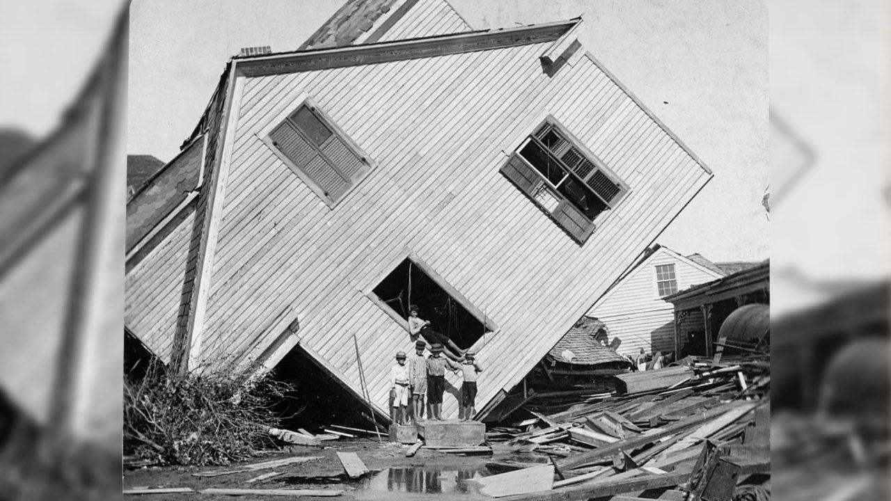 https://thetexan.news/wp-content/uploads/2021/09/1900-Galveston-Hurricane-Damage-Texas-History-1280x720.jpg