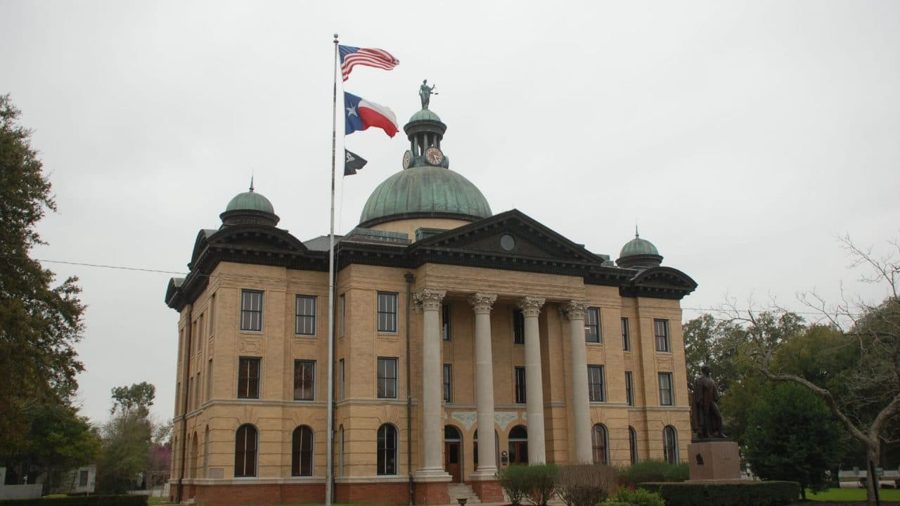 https://thetexan.news/wp-content/uploads/2021/10/Fort-Bend-County-Courthouse-1280x720.jpg